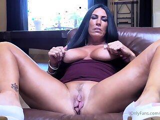 Big bosom milf masturbating