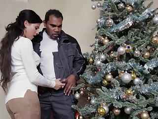 Christmas special for the hot wife in outright interracial close by the neighbor