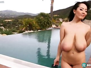 Asian lewd chesty MILF Hitomi Tanaka hard sex clip