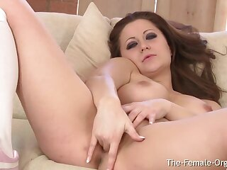 Curvy Diffident Babe First Time With Hitachi Cannot Catch Masturbating To Multiple - Lara jade deene